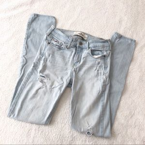 Hollister light wash ripped distressed skinny jean